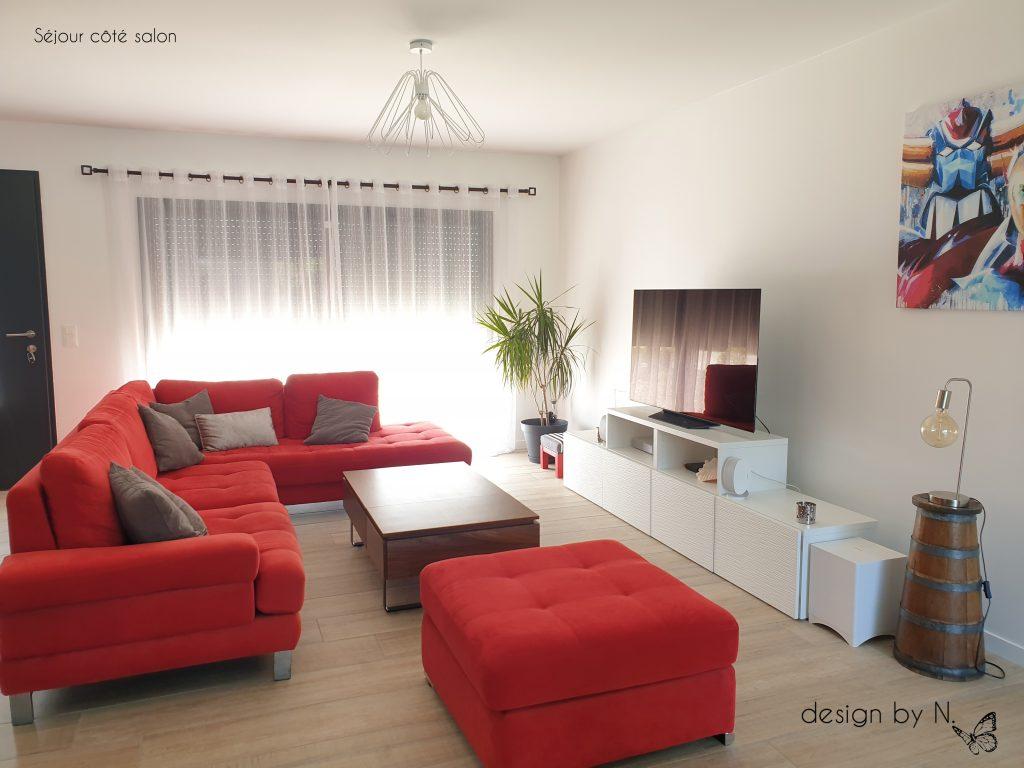 décoration aménagement séjour canapé rouge